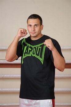 Футболка Tapout Classic Collection черно-зеленая - в стойке