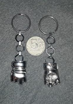 Брелок металлический Перчатка ММА
