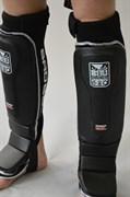 Защита голени Bad Boy MMA Shin Guard Pro Gel - на ногах